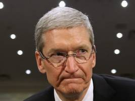 apple met with ukraine's foreign minister at davos and it looks like they discussed apple's controversial decision to alter its maps to please russia