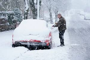 uk weather: snow, freezing temperatures and fog predicted this weekend