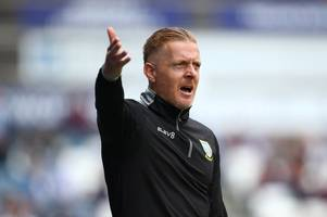 sheffield wednesday boss opens up over chase for striker wanted by bristol city and nottingham forest