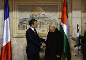abbas to macron: we look forward to france recognizing palestinian state