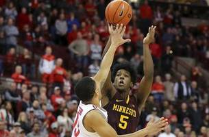 carr's late three sends gophers past ohio state 62-59