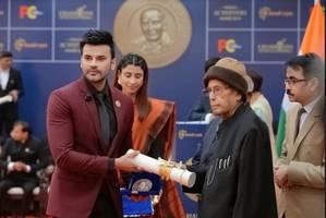 bhopal's dr. abhinit gupta wins champions of change award