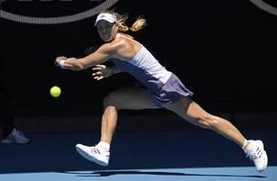 the latest: pavlyuchenkova into 4th round at australian open