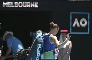no. 2 pliskova out in chaotic 3rd round at australian open