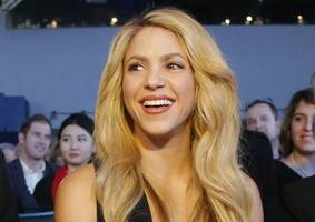 shakira, jennifer lopez getting fans all hyped with super bowl countdown videos