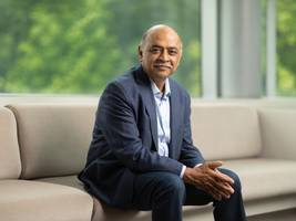 experts give ibm's new ceo the thumbs up: he could be the 'heavyweight' the company needs to really compete with amazon and microsoft (ibm)