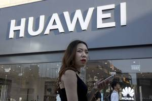 should huawei just abandon android?