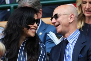 jeff bezos' girlfriend's brother is suing the amazon ceo for defamation, claiming he was falsely accused of providing incriminating photos to the national enquirer