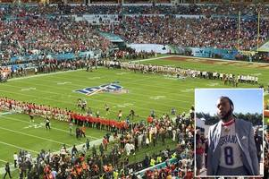 chiefs and 49ers players come together for kobe bryant tribute before super bowl