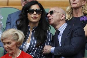 amazon founder jeff bezos' girlfriend's brother sues him for defamation