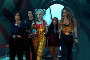 'birds of prey' film review: margot robbie strikes a mallet-blow for female empowerment