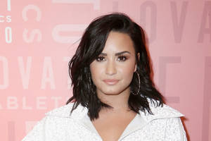 quibi sets demi lovato talk show 'pillow talk with demi lovato'