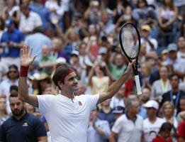 federer tops nadal before 51,000 in s africa