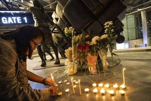 soldier kills 29 people in thailand before being shot