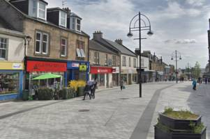 man attacked with 'pepper spray' in brazen assault on busy bathgate street