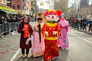 lunar new year 2020 wraps up with festive crowds at chinatown parade