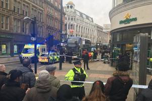 Manchester city centre 'stabbing' with police swooping on Piccadilly Gardens incident