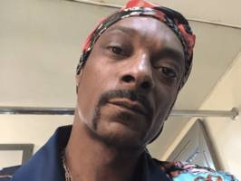 """snoop dogg issues open gayle king apology after talking to his mom: """"2 wrongs don't make it right"""""""