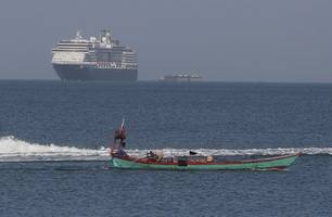 cruise ship shut out of five ports over coronavirus fears finally docks in cambodia