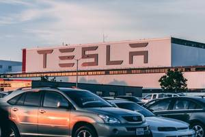 tesla seeks to tap into stock surge with $2 bln share sale