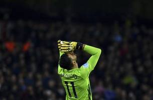 wolves held by 10-man leicester to 0-0 after goal ruled out