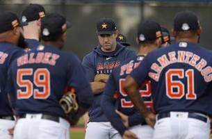 Astros' Verlander skips scheduled bullpen session