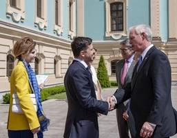 ukraine's president vows to end war, invites trump to kyiv
