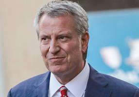 NYC mayor Bill de Blasio endorses Bernie Sanders