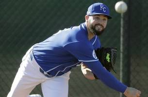 Royals agree to 2020 terms with Mondesi, Dozier, Junis, six others