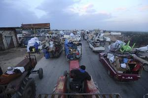 intensifying syrian gov't offensive has displaced 800,000 civilians since december