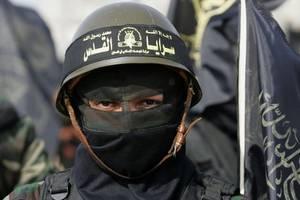 israeli soldiers' phones hacked by hamas 'women'