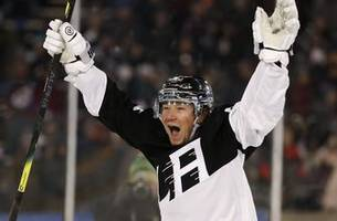 canucks get f toffoli from kings in push for playoffs