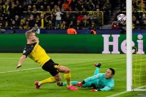 man utd fans left in tears as erling haaland scores on borussia dortmund cl debut