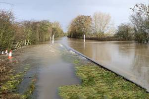 live updates with gloucester braced for flooding, m5 and gloucestershire traffic updates, met office forecasts