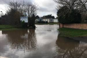 road closures and evacuation fears as flood water swamps parts of nottinghamshire