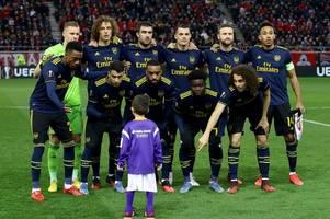 arsenal melt hearts ahead of europa league tie against olympiacos