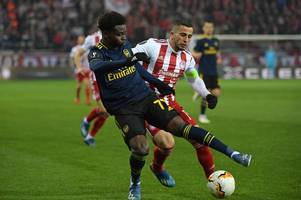 robin van persie compares bukayo saka to arsenal legend after 'world class' olympiacos assist