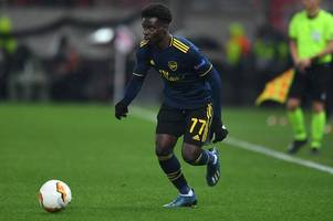 bernd leno sends message to bukayo saka over youngster's arsenal future