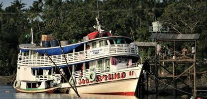 brazil's traveling judges: a floating courtroom brings justice to the jungle