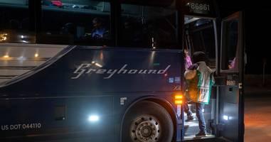 greyhound won't allow trump border patrol to do warrantless immigration checks on buses