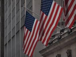 markets weaker on fears of virus spread