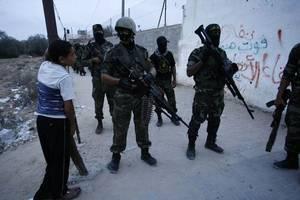 palestinian rockets strike israel after gaza border clash