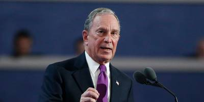 it looks like people with no real interest in bloomberg are signing up to be grassroots campaigners because he pays $2,500 a month