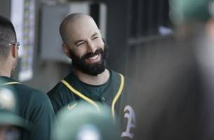 fiers draws cheers, perfect in 1st game since astros reveal