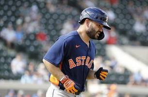 Altuve nicked by pitch, Astros stars booed on road vs Tigers