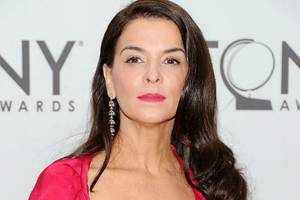 annabella sciorra responds to weinstein guilty verdict after 'painful but necessary' testimony