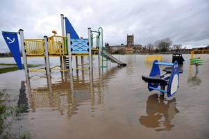 live updates as gloucestershire prepares for more flooding, met office snow forecasts, m5, traffic latest