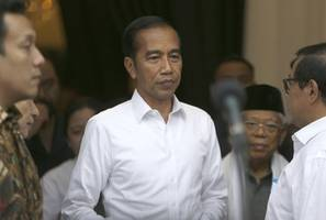 indonesia treads tight line between china and us
