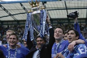 gary neville delivers honest opinion on jose mourinho's chelsea side
