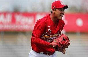 cardinals' kim makes a statement in first grapefruit league start